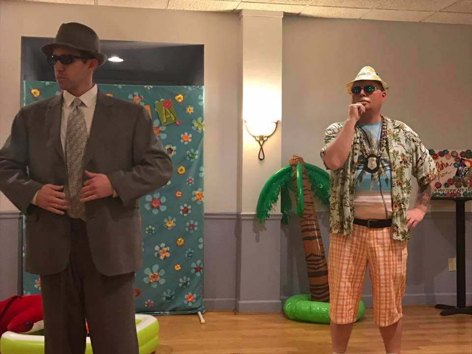 Funny entertainers at the Mystery Cafe.